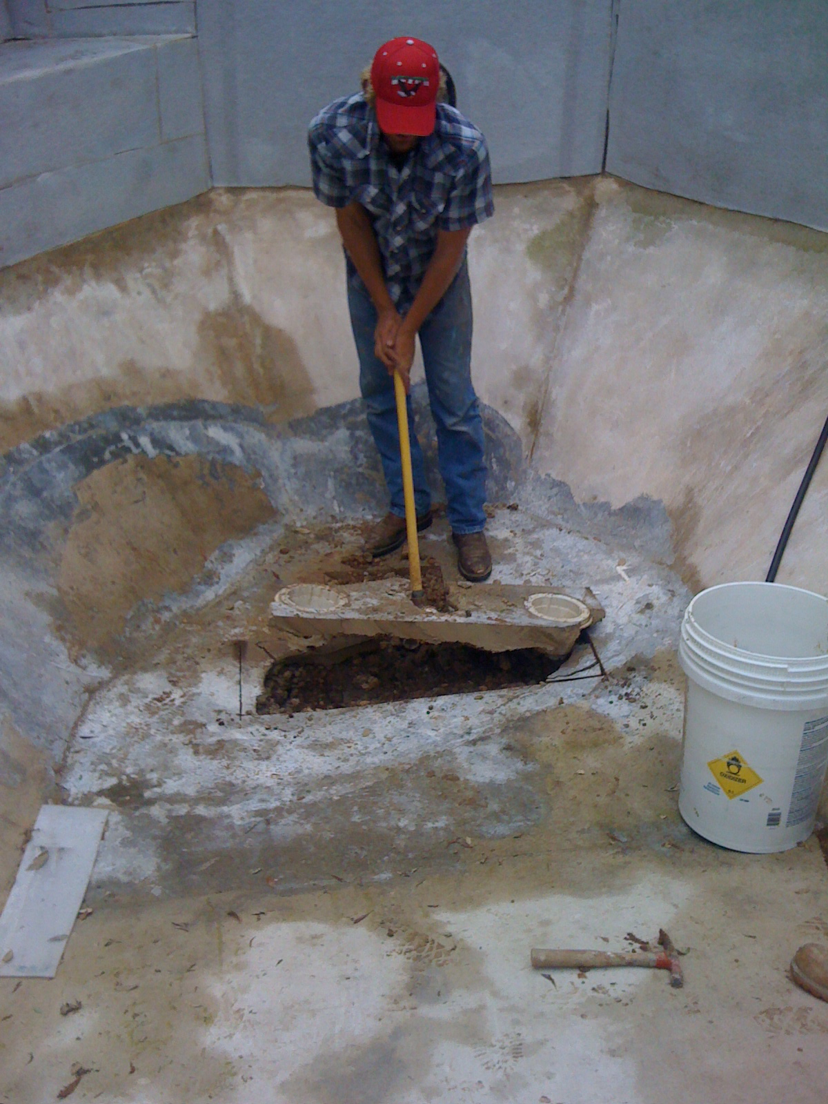 Main Drain Repairs Caltech Pools 818 436 2953