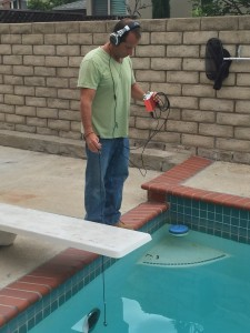 Performing a pool leak detection with the Pool Scope